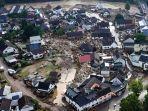 20210715-kehancuran-akibat-banjir-sungai-ahr-di-desa-eifel-schuld-jerman-barat.jpg