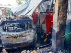 20210717-rumah-bersama-kendaraan-yang-hangus-usai-terbakar-di-desa-tukak-pada-senin-1972021.jpg