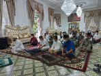 20210720-wali-kota-pangkalpinang-maulan-aklil-melaksanakan-salat-iduladha.jpg
