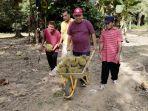 20210722-hidayat-arsani-berburu-durian-di-desa-permis.jpg