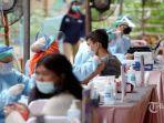 20210723-petugas-medis-melakukan-vaksinasi-covid-19-kepada-warga-rusun-tanah-tingg.jpg