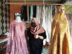 20210723-sheila-owner-adiela-wedding-organizer-memperlihatkan-gaun-pengantin.jpg