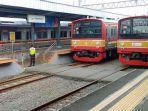 20210803-ilustrasi-krl-atau-commuter-line-di-stasiun-tangerang.jpg