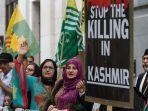 20210810-anggota-komunitas-kashmir-inggris-melancarkan-protes-di-luar-komisi-tinggi-india-di-london.jpg