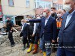 20210814-presiden-turki-recep-tayyip-erdogan-meninjau-area-terdampak-banjir.jpg
