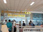 20210819-aktivitas-penumpang-di-bandara-depati-amir-pangkalpinang.jpg
