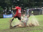 20211001-laga-sepak-bola-porkab-iii-bangka-barat-di-lapangan-sepak-bola-penganak-parittiga.jpg