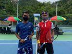20211005-atlet-cabor-tenis-lapang-ega-baju-kaos-biru.jpg