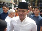 agus-harimurti-yudhoyono-saat-mendatangi-salah-satu-masjid_20161212_211139.jpg