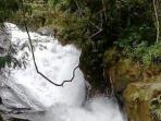 air-terjun-maras-saat-banjir_20160509_145547.jpg
