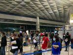 aktivitas-penumpang-di-bandara-yang-dikelola-pt-angkasa-pura-ii.jpg