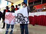 andi-dero-aguyno-22-dan-riski-febriando-21-pelaku-vandalisme-dihadirkan-saat-konferensi-pers.jpg