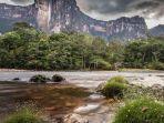 angel-falls-menjadi-satu-air-terjun-tertinggi-di-dunia-dan-lokasi-favorit-film-disney.jpg