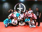 anggota-stand-up-indo-pangkalpinang-bersama-ernest-prakasa_20170701_122943.jpg