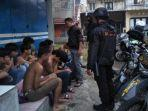 belasan-anggota-geng-motor-ditangkap-polisi.jpg