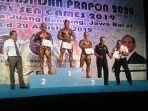 berdiri-di-podium-pertama-atlet-binaraga-bangk.jpg