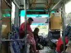berwisata-menggunakan-bus.jpg