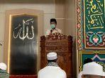 bupati-bateng-saat-salat-ied-di-masjid-ar-raihan-kota-koba-jumat-3172020.jpg