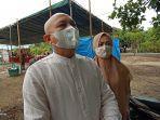 calon-bupati-bangka-tengah-didit-srigusjaya-bersama-istrinya-di-tps-12-kelurahan-koba.jpg