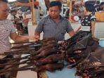 daging_kelelawar_di_pasar_pinasungkulan_karombasan.jpg