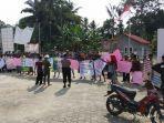 demo-warga-desa-mendo-kecamatan-mendobarat.jpg