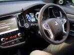 detail-interior-mobil-baru-mitsubishi-outlander-phev.jpg