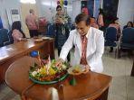 direktur-utama-rumah-sakit-jiwa-daerah-babel-heru-effendi_20181011_201139.jpg