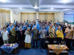 duta-besar-australia-bersama-mahasiswa-ubb-dalam-acara-pemberian-beasiswa.jpg