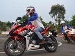 edukasi-safety-riding_20170801_101215.jpg