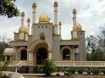 foto-masjid-megah-di-tengah-hutan.jpg