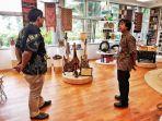 gambus-belitong-jadi-koleksi-kbri-di-singapura_20171130_165405.jpg