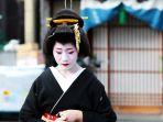 geisha-jepang_20171107_192118.jpg
