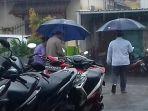 hujan-turun-di-pangkalpinang_20170127_154223.jpg