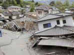 ilustrasi-gempa-bumi-terhadap-pemukiman-warga.jpg