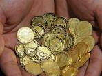 ilustrasi-koin-emas-kamis-12112020.jpg