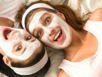 ilustrasi-masker-untuk-memutihkan-wajah-dan-mencerahkan-kulit.jpg
