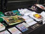 inilah-buku-fpi-dan-poster-rizieq-shihab-yang-turut-diamankan-polisi-dari-4-terduga-teroris.jpg