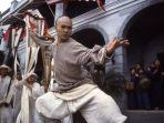 jet-li-as-wong-fei-hung-in-once-upon-a-time-in-china-2.jpg