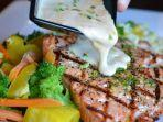 kandungan-omega-3-pada-ikan-salmon-dapat-membantu-mengurangi-peradangan-dalam-tubuh.jpg