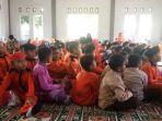 keluarga-besar-madrasah-ibtidaiyah.jpg