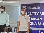 kepala-perwakilan-bank-indonesia-kepulauan-bangka-belitung-tantan-heroika-baju-putih.jpg