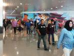 kesibukan-penumpang-di-terminal-baru-bandara-ahmad-yani-semarang_20180717_083231.jpg