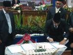ketua-dprd-belitung-taufik-rizani-kamis-168_20180816_174758.jpg