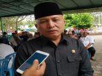 ketua-dprd-provinsi-bangka-belitung-didit-srigusjaya-terlihat-hadir-melayat.jpg