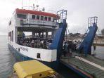 kmp-gorare-di-pelabuhan-sadai_20170623_190603.jpg
