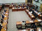 komisi-iii-gelar-rapat-dengar-pendapat-umum.jpg
