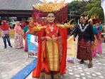 kostum-modifikasi-mengenai-percampuran-budaya-cina-melayu_20180812_152758.jpg