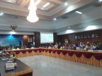 kunjungan-komisi-ii-dpr-ri-ke-provinsi-kepulauan-bangka-belitung_20180723_141654.jpg