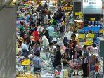 lebih-parah-dari-indonesia-warga-malaysia-panik-dan-serbu-supermarket-setelah-lockdown.jpg
