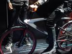 leeco-pamer-sepeda-pintar-di-ajang-big-bang-conference_20161020_174526.jpg